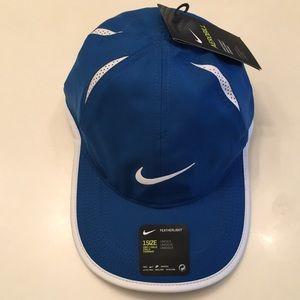 Nike Accessories - NIKE AeroBill Featherlight Cap Hat aca4fe4b1e0